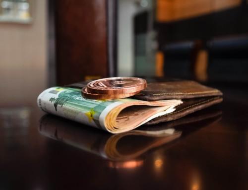 Hoeveel cash hou je in het bedrijf?